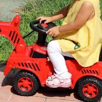 家有萌宝 篇一:小米推出QBORN儿童挖掘机,可操控挖臂挖斗,电动油门安全防撞