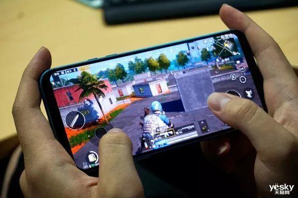 《极限任务》:黑鲨游戏手机2 Pro玩游戏能否又快又稳?