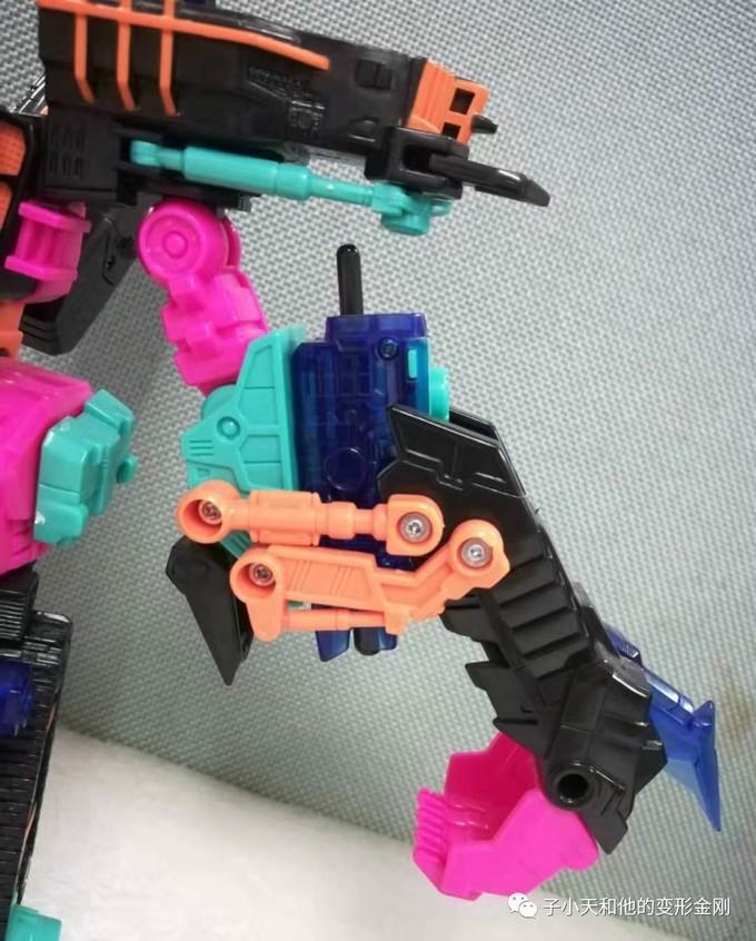 【评玩具】子小天:粑粑总测评《变形金刚BOTCON2010年会限定的强者级双钳》