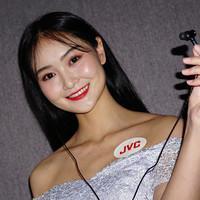 HA-FW10000技术下放之作: JVC 发布 HA-FW1800 木振膜动圈耳机等多款新品