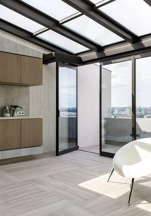 156㎡客厅做一道格栅移门,让空间更灵活