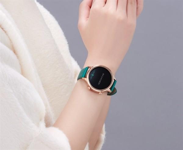 """牛皮表带、颜值满分:小米有品上架""""故宫""""智能手表"""