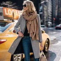 慵懒围巾拯救冬季穿搭的透明感!|色彩训练营