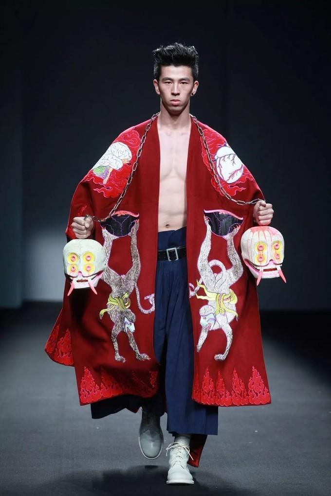 不靠情怀的上官喆,让老外读懂中国设计的力量