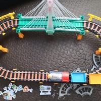 非常有趣的组装轨道小火车 穿越大峡谷,赶快出发吧!