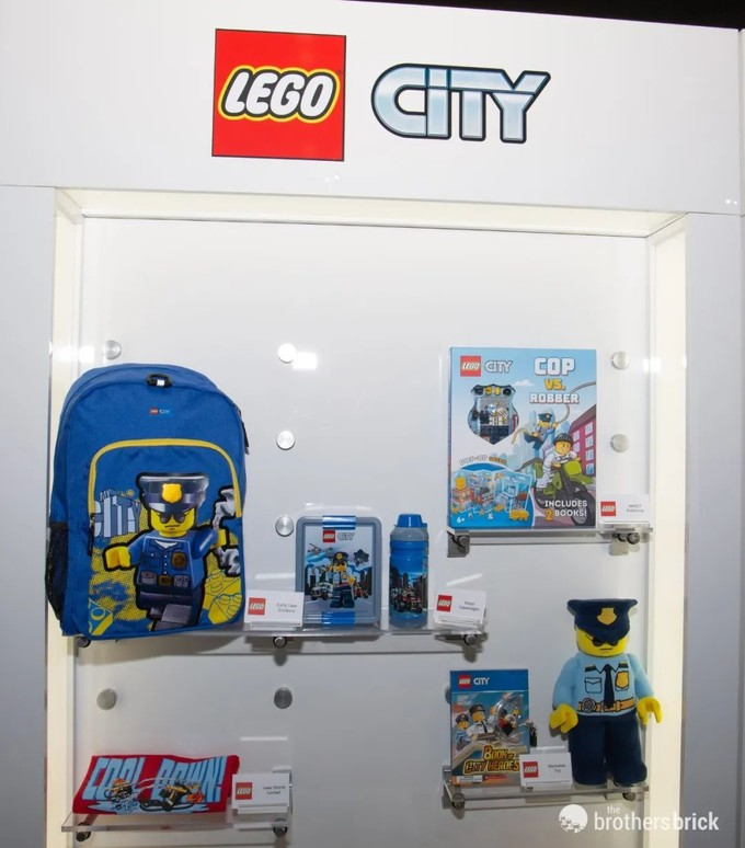 纽约玩具展第二天,乐高展出大量周边新品!