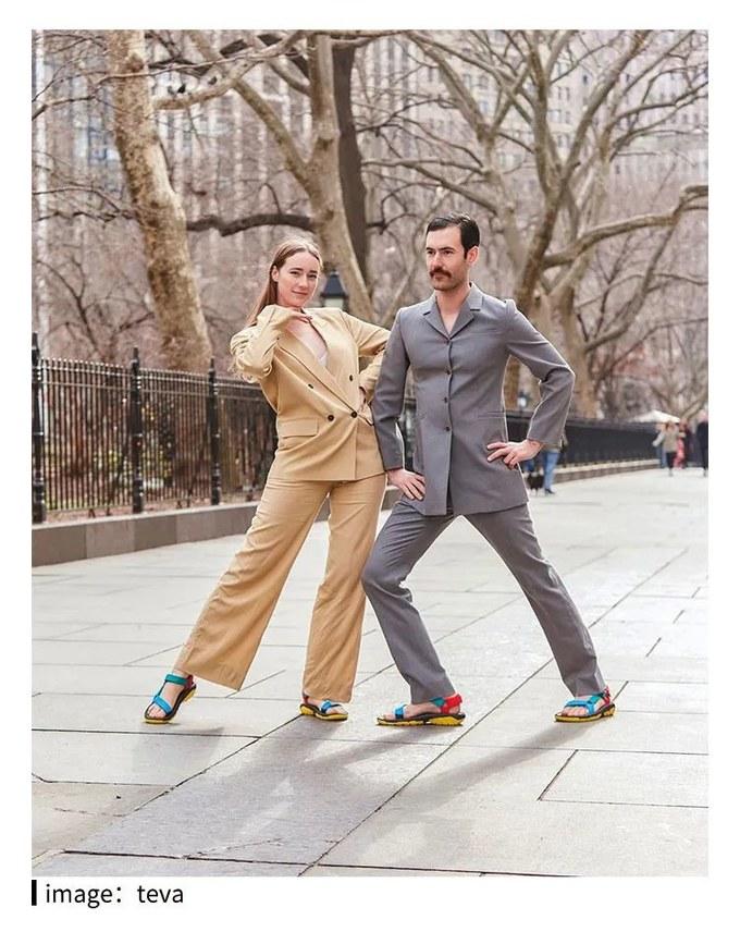 穿山系凉鞋,该不该配袜子?