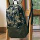 一款简单10L容量,仅有157克的基础背包:小米双肩包