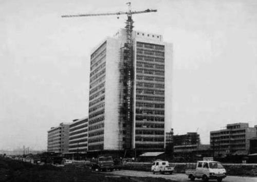 在建的深圳电子大厦