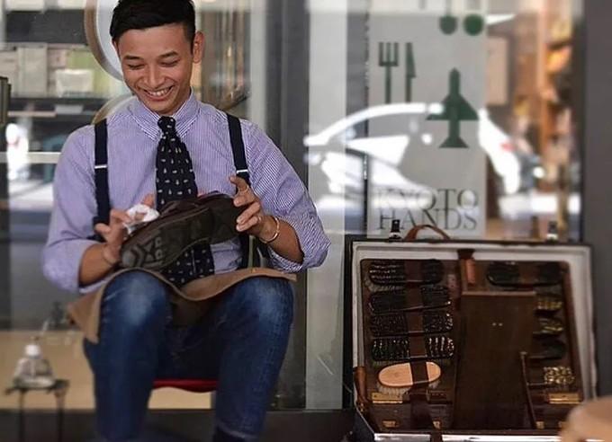 他是日本擦鞋比赛的冠军!擦鞋已经全国第一了,难道颜值也想出道吗?