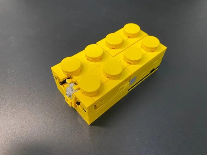 测评下MOKO这款变形金刚砖机器人~ 从软件到实物有多少差距?