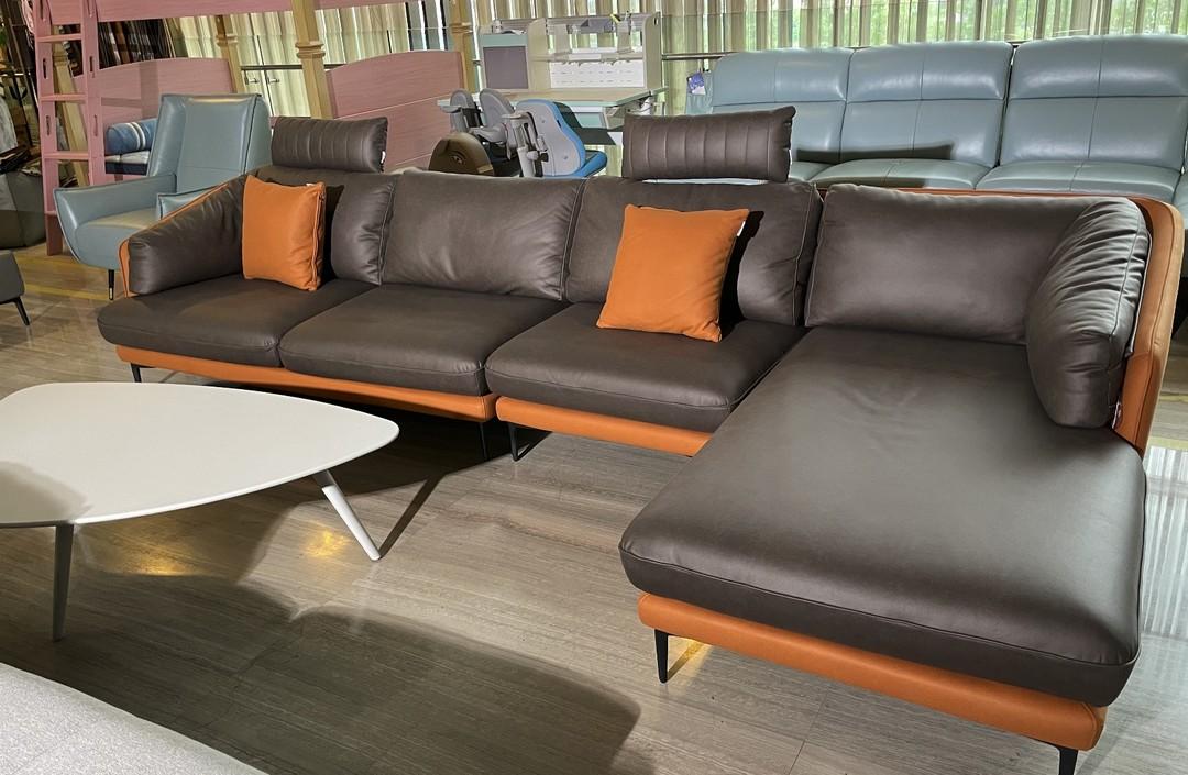 左右新品科技布沙发,自带装饰效果,还有会移动的头枕!