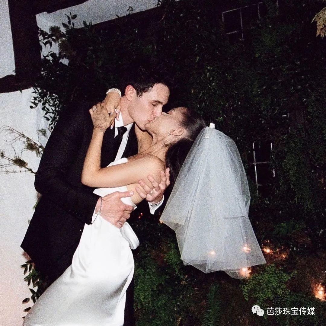 A妹婚戒居然不是鸽子蛋!Toi Et Moi双石婚戒才是名流们的挚爱?