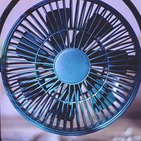 我家好物 篇一:怕热!没空调?有它帮忙,不怕热!几素桌面小风扇使用实录